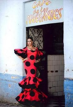 Vicky Martin Berrocal designer Women's Fashion Dresses, Casual Dresses, Dance Dresses, Flamenco Dresses, Flamenco Costume, Flamingo Dress, Spanish Fashion, Dot Dress, African Fashion
