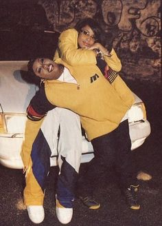 hip hop Missy and Aaliyah quot;When I first met Missy, I knew there was a connection. Old School Pictures, Missy Elliot, Arte Hip Hop, Hip Hop Party, Cute Couple Art, Hip Hop And R&b, Hip Hop Fashion, Queer Fashion, Urban Fashion