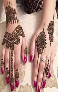 Top 16 New Stunning Arabic Mehndi Design 2019 There are a few sorts of mehndi/henna, classified on the premise of the territory they are started or the examples they make. Best Arabic Mehndi Designs, Stylish Mehndi Designs, Mehndi Design Photos, Wedding Mehndi Designs, Beautiful Mehndi Design, Latest Mehndi Designs, Mehndi Images, Simple Mehndi Designs, Mehandi Designs