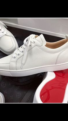 Louis Vuitton Mens Sneakers, Men's Fashion, Fashion Dresses, Classic Sneakers, Beagles, Dress Styles, Shoe Collection, Men's Style, Sneakers Fashion
