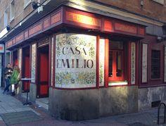 Casa Emilio - C/López de Hoyos, 98 - Madrid Bar Madrid, Foto Madrid, Store Fronts, Coffee Shop, Spain, Around The Worlds, Explore, Places, Travel