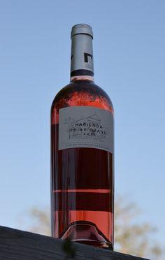 Hacienda de Arínzano Rosé bottle