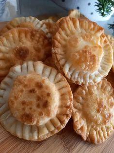 Τραγανά μηλινούδια που με μέλι πάνε σούπερ Apple Pie, Tart, Slow Cooker, Appetizers, Cooking, Breakfast, Desserts, Recipes, Kitchen Stuff