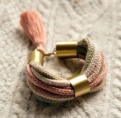 Bransoletka z plecionych sznurków (proj. poli), do kupienia w DecoBazaar.com
