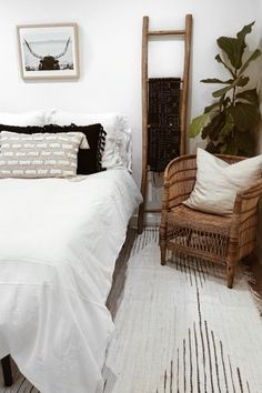 Influencers share their guest bedroom playroom ideas. Find out how home decorati. Influencers share their guest bedroom playroom ideas. Find out how home decorating experts style their guest bedrooms. Bedroom Makeover Before And After, Home Design, Interior Design, Guest Room Decor, Spare Bedroom Decor, Bedroom Décor, Guest Bedrooms, Bedroom Storage, My New Room