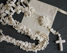 Good afternoon I have weeks with this crazy idea in mind that the tie of our wedding is woven and not only that but the person who does it to us Diy Wedding Lasso, Our Wedding, Dream Wedding, Silver Anniversary, Lavender Sachets, Wild Style, Wedding Accessories, Crochet Projects, Art Projects