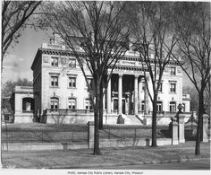 Now this is the Kansas City Museum. Kansas City Museum, Kansas City Missouri, Old Pictures, Old Photos, Missouri Valley, Historic Houses, Gladstone, Winter House, History Museum