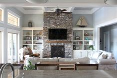 Beautiful Lake House Living Room Ideas (23)