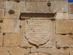 Castillo. Escudo de los Fernandez de Velasco. Velasco, Memes, Frame, Home Decor, Coat Of Arms, Castles, Pictures, Homemade Home Decor, A Frame