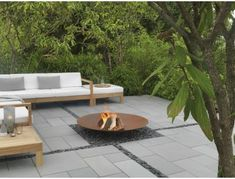 Stonemarket: inspirational paving for your dream garden Stonemarket supplies a range of natural stone slabs and manufactured concrete paving. Their range is a real treasure trove of paving for all. Limestone Paving, Bluestone Pavers, Concrete Paving, Patio Slabs, Paving Stones, Outdoor Pavers, Pool Pavers, Backyard Patio, Backyard Ideas