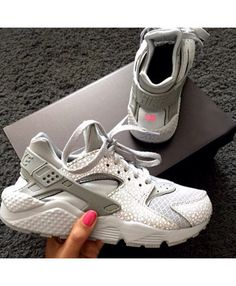 fd4bebca05f9 Nike Air Huarache Leather Smoky Grey Trainer The quality is very light