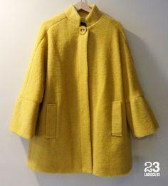 Abrigo corto de lana 100%, también en verde claro en #23CB Lagasca 83