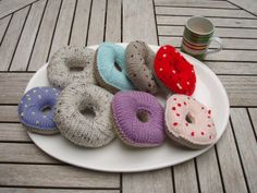 Free delish knitted doughnut or bagel pattern designed by Stana D…