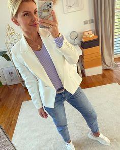 Karolina Franek (@karola_franek) • Instagram photos and videos Personal Style, Spring Summer, Classy, Blazer, Photo And Video, Coat, Casual, Jackets, Videos