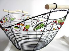 Wire Crafts, Diy And Crafts, Arts And Crafts, Copper Wire Art, Iron Art, Wire Baskets, Beads And Wire, Lampshades, Wire Wrapping