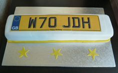 So, how do you get a cake in the shape and style of a UK number plate for a car ? I could tell you but….. that would be giving technical secrets away  This cake for a guy in Tyneside was to match a personalised number plate that had been bought for him. Nice ! number plate birthday cake