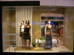 Montaje escaparates, tienda de Sfera:  -Interlocución con clientes a diferentes niveles, así como con departamentos internos (gerencia, Dirección Comercial, etc).  Ideas imaginativas S.L