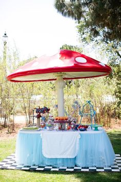 New baby girl birthday party themes alice in wonderland 23 Ideas Alice In Wonderland Garden, Alice In Wonderland Tea Party, Girls Birthday Party Themes, Girl Birthday, Garden Party Games, Alice Tea Party, Mad Hatter Party, Decoration, Ideas Party