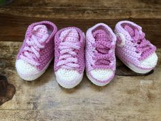 Converse baby shoes by Missaquitos Crochet Baby, Baby Shoes, Converse, Sneakers, Kids, Clothes, Fashion, Tejidos, Tennis