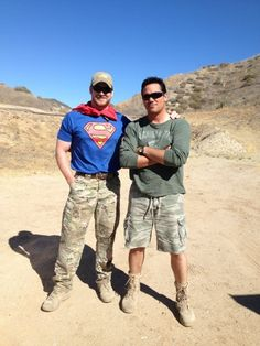 Dean Cain tweeted this groovy pic of him hanging out with American hero Chris Kyle, may he rest in peace.
