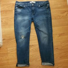 Express cropped jeans Great conditions but have been worn a little. Very versatile! Express Pants Ankle & Cropped