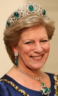 HM Queen Anne-Marie of Greece wearing her emerald parure