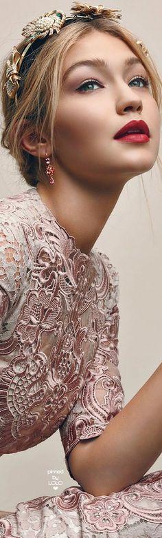 Gigi Hadid Dolce & Gabbana | LOLO❤︎