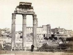 1860/62 Sommer Giorgio . Tempio dei Dioscuri, vista del lato opposto al campidoglio con personaggio appoggiato alla staccionata