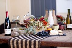 A decorative table setting that captures the cozy comfort of fall.