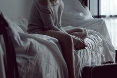"""""""Então, que seja doce. Repito todas as manhãs, ao abrir as janelas para deixar entrar o sol ou cinza dos dias, bem assim: que seja doce. Quando há sol, e esse sol bate na minha cara amassada do sono ou da insônia, contemplando as partículas de poeira soltas no ar, feito um pequeno universo, repito sete vezes para dar sorte: que seja doce que seja doce que seja doce e assim por diante. Mas, se alguém me perguntasse o que deverá ser doce, talvez não saiba responder. - Caio Fernando Abreu."""