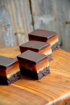 Torta od badema i karamela Bosnian Recipes, Croatian Recipes, Candy Recipes, Sweet Recipes, Cookie Recipes, Torta Recipe, Kolaci I Torte, Torte Cake, Bakery Recipes