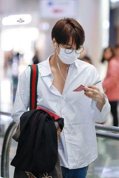 190323 at ICN Airport heading to Brisbane, Australia Kai Exo, Chanyeol, Urban Style Outfits, Fashion Outfits, Exo Korean, Kim Jongin, Kim Min Seok, Exo Members, Urban Fashion