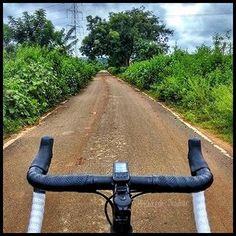 Focus forward and don't look back. #cyclinglife #cyclingphotos #cyclingshots #roadcycling #cyclingpics #cyclingpics