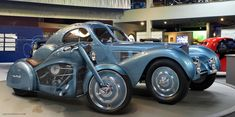 Motorcycle design concept inpired by Bugatti car. Motorcycle design concept inpired by Bugatti car. Motorcycle Design, Motorcycle Style, Bike Design, Motorcycle News, Motorcycle Helmet, Bugatti Models, Bugatti Cars, Concept Motorcycles, Cool Motorcycles
