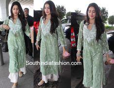 Pakistani Fashion Casual, Indian Fashion Dresses, Indian Gowns Dresses, Dress Indian Style, India Fashion, Simple Kurti Designs, Kurta Designs Women, Simple Pakistani Dresses, Pakistani Dress Design