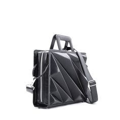 The Tokyo Business Bag (briefcase) meets the highest level of symmetry that naturally emphasizes your personality.