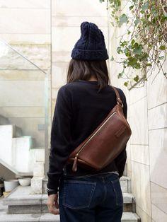 Backpack For Teens, Backpacks For Sale, Leather Belt Bag, Military Women, Side Bags, Leather Design, Cloth Bags, Hobo Bag, Shoemaking