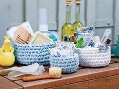 Корзиночки для мелочей - схема вязания крючком. Вяжем Корзинки на Verena.ru Crochet Home, Knit Or Crochet, Chrochet, Crochet Baby, Crochet Quilt Pattern, Quilt Patterns, Crochet Patterns, Crochet Ideas, Recycled Yarn