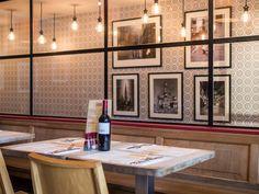 Le Restaurant l'Estaminet du Kelderke, maison de corporation datant du 17ème, offre une ambiance feutrée, un service chaleureux et une cuisine typique Bruxelloise.
