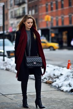 5 Outfit Ideas for Turtleneck Tops