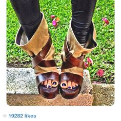 Kat Von D's shoes I saw on her instagram. How amazing are those!!!❤❤❤