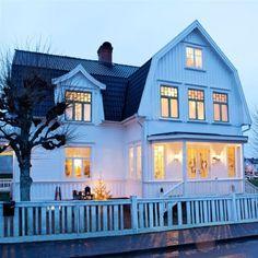 Rustic Scandinavian House ~ Amityville-like country house