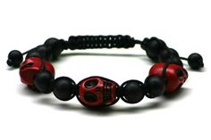 Wood Junkie Pearl Bracelet Shamballa 3 Big Skulls Black/ Red - Urban Classics-Shop.nl