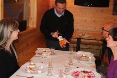 E per accompagnare il dolce, un #moscato d'eccellenza.  #ApricaforAriel #FondazioneAriel #Gimmy's