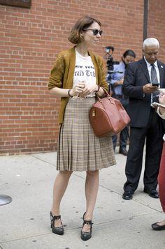 Modern/retro: tee and high waist pleated skirt.