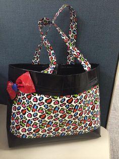 Rainbow Leopard duct tape purse featured on DuctTapeFashion.com. #ducttape http://ducttapefashion.com/blog/index.php/tape-crafts/139-rainbow-leopard-duct-tape-purse