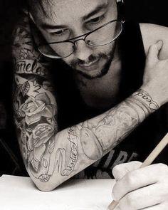 Mantenha a fé acredite em si mesmo e estude!  #drawing #draw #artwork #art #staedtler #comiccon #desenho #art #staedtler #pencil #tattoo #delicates #tattoer #tattoo2me #inkmachines #tattoed #artist #brasil #brazil