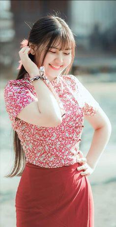 Asian Model Girl, Girl Model, Myanmar Dress Design, Burmese Girls, Myanmar Traditional Dress, Myanmar Women, Curvy Girl Outfits, Beautiful Asian Women, Beautiful Ladies