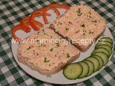 Tvarohová krabí pomazánka Czech Recipes, Snack Recipes, Snacks, Krabi, Ham, Bread, Czech Food, Peta, Snack Mix Recipes