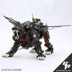 """Wow, this kit looks intimidating! This """"Great Saber"""" is an upgraded version of the Tiger Saber, as if the original wasn't impressive enough! Battle Bots, Big Battle, Zoids Toys, Little Boy Toys, American Cartoons, Cool Robots, Medieval Armor, The Old Days, Gundam Model"""